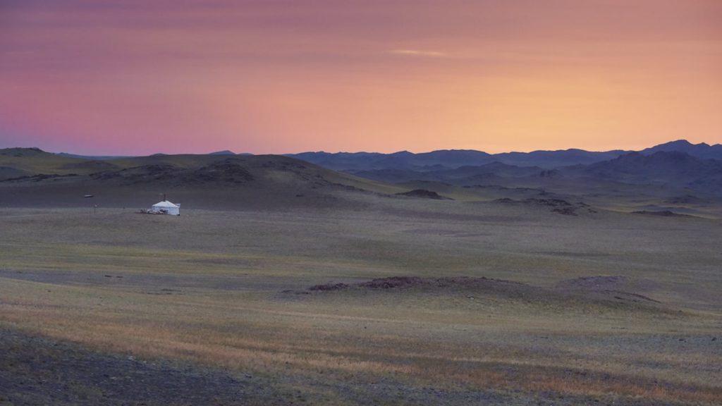 Mogolian Steppe © Stuart Ansee