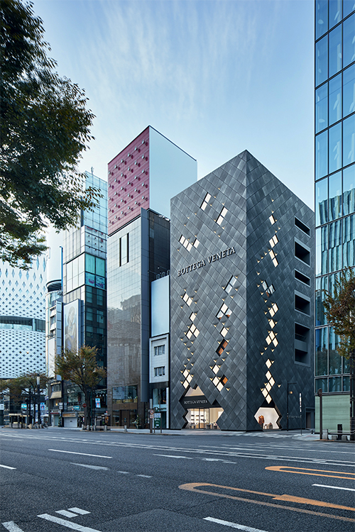 Bottega Veneta store in Tokyo, Japan © Nacása & Partners Inc.